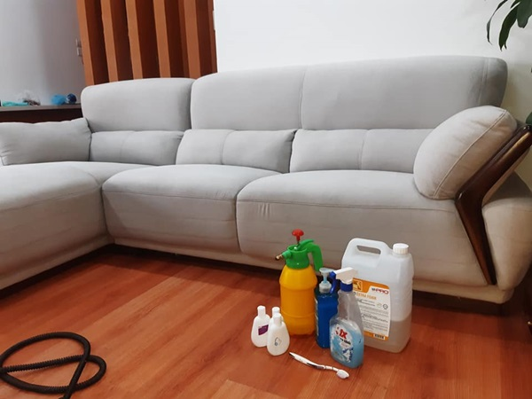 Dung dịch giặt ghế sofa