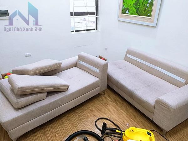 Hướng dẫn cách giặt sofa vải tại nhà