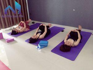 cách giặt thảm yoga cao su