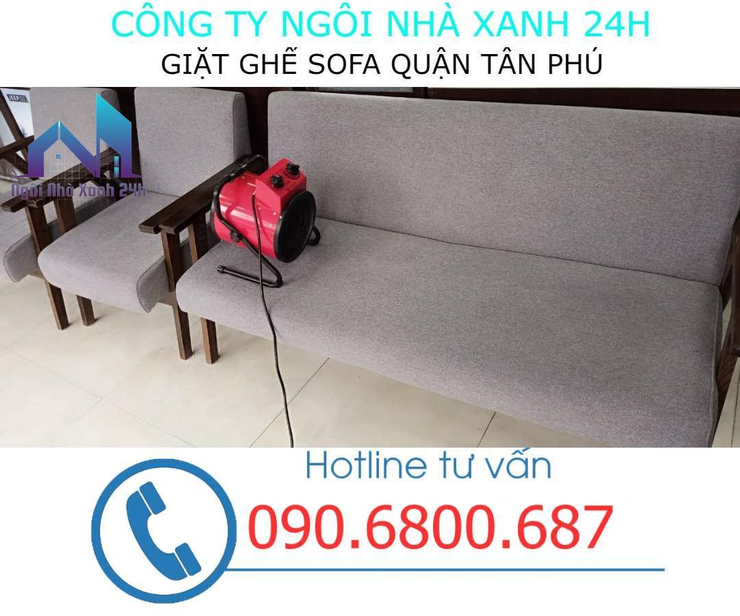 Quy trình giặt ghế sofa tại quận Tân Phú